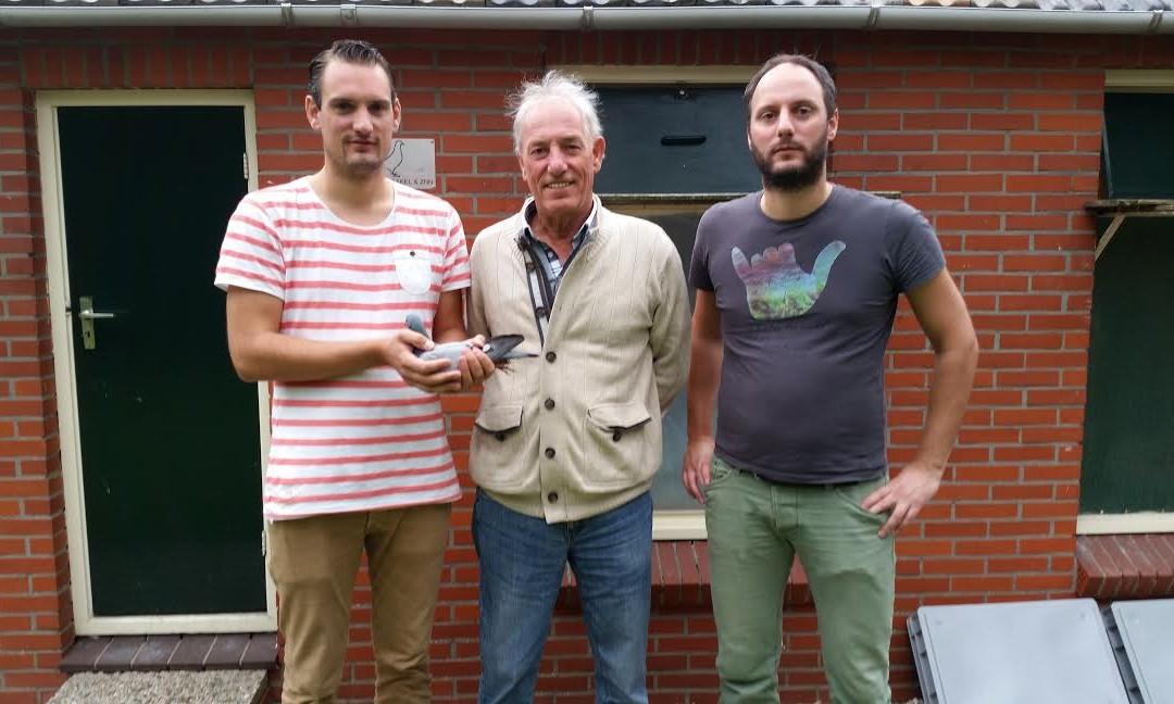 Evert van den Brakel en zonen Jos en Erik hebben snelste duif van Limoges in Afdeling 7 MN